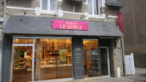 Enseigne extérieur de la boulangerie maison Le Dortz